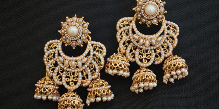 imitates fine jewelleries