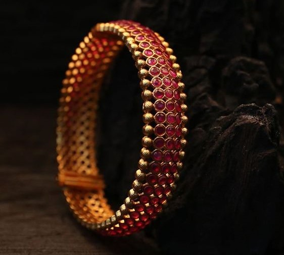 Traditional Gold Bangle Designs