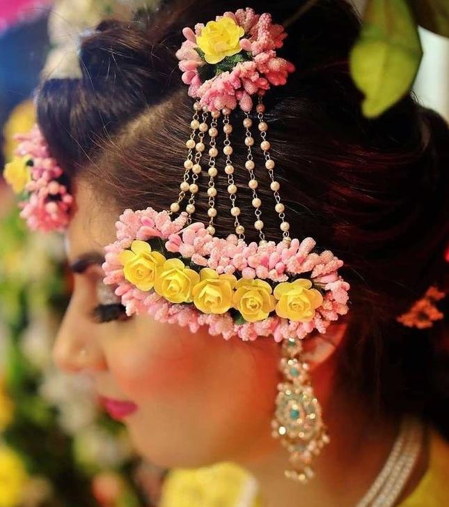 Colorful passa jhoomar for haldi or Mehendi ceremony
