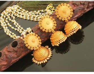 Pearl chain with big jhumkas and matching pendant